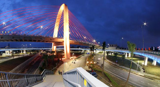 New bridge opens in Da Nang