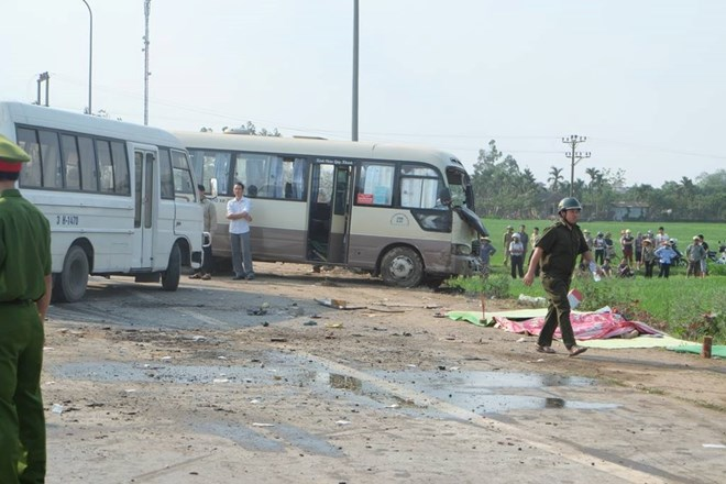 Bus accident kills five