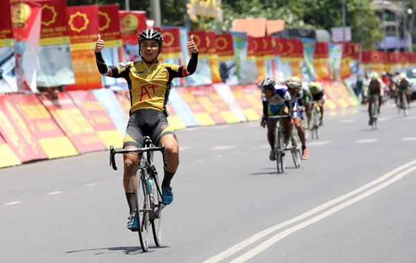 Nhan wins 13th stage