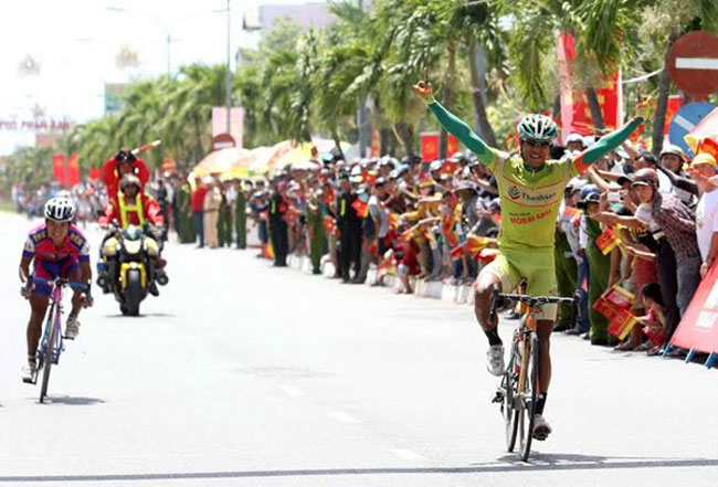 Son takes stage as Tai keeps hold of yellow jersey