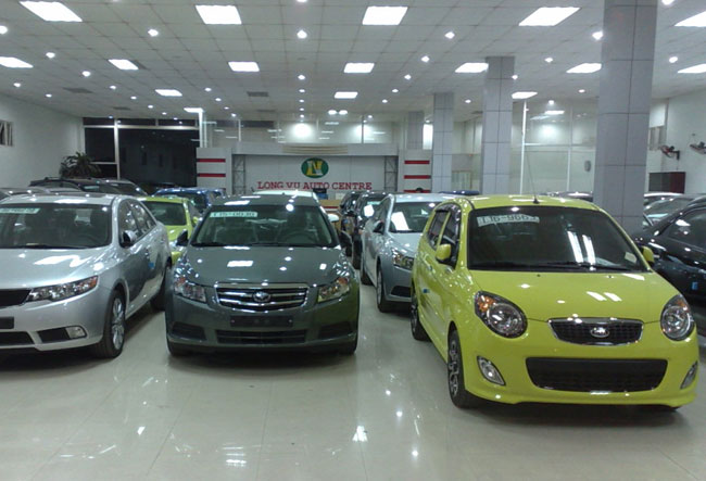 April car sales up but producers worry