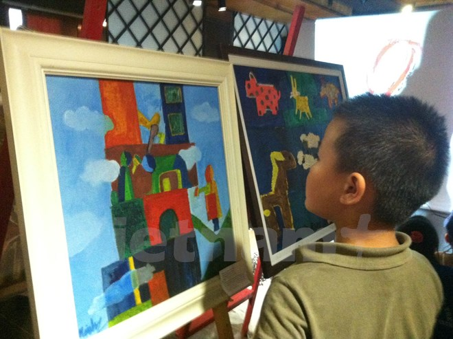 Children with autism express themselves through art