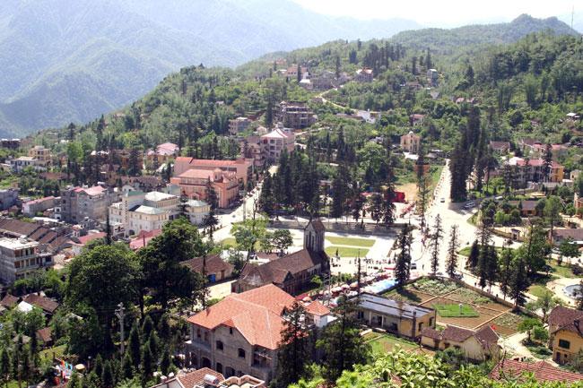 Touristy Sa Pa lures property developers