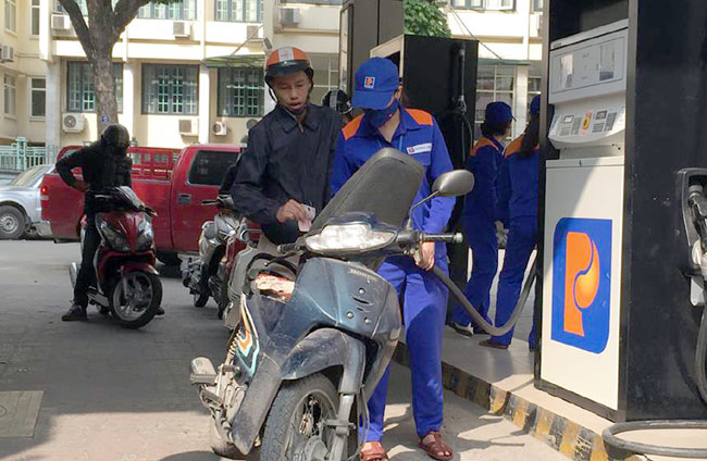 Import tariffs on oil products slashed again