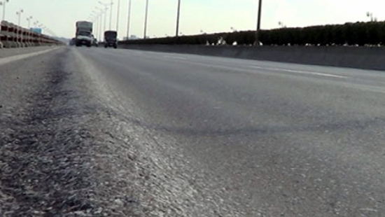 Hot spell damages highway