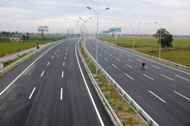 Highway to connect HCM City to border