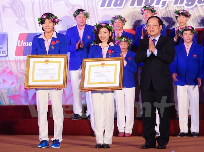 Vien Thanh get Second Class Labour Medal