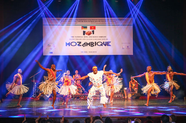 Mozambique enjoys 40 years of freedom Viet Nam links
