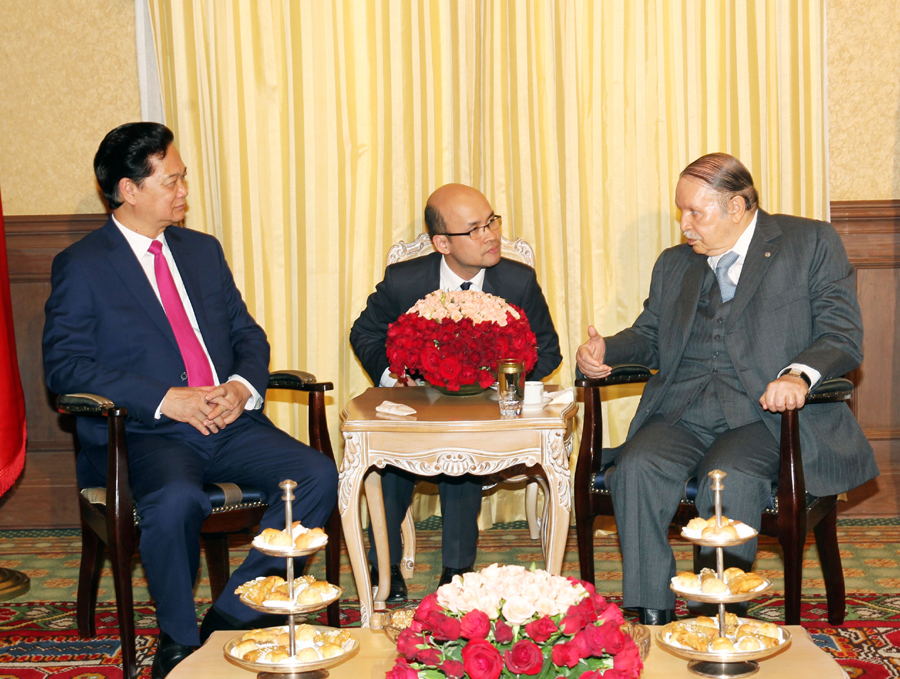 Ties with Algeria are foreign policy priority says PM Dung