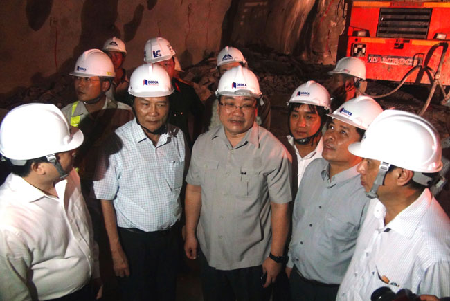 Deputy PM lauds tunnel project