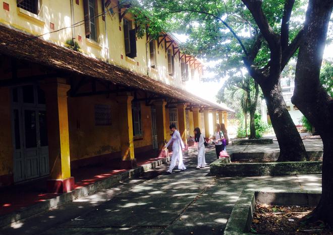Mekong river deltas oldest school to be demolished