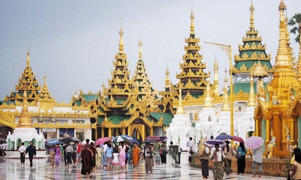 Tourists alter Thai travel plans