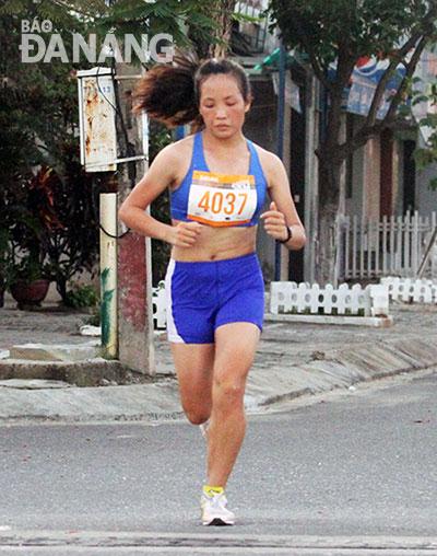 Thanh Nishizawa win marathon titles