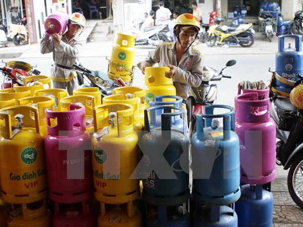 Thousands of illegal gas extraction canisters