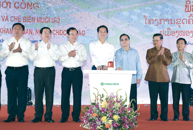 Prime Minister attends launch  of giant potash mine in Laos