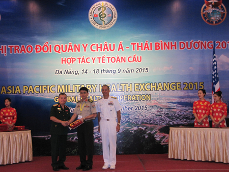 Medical personnel boost co-operation at health exchange event