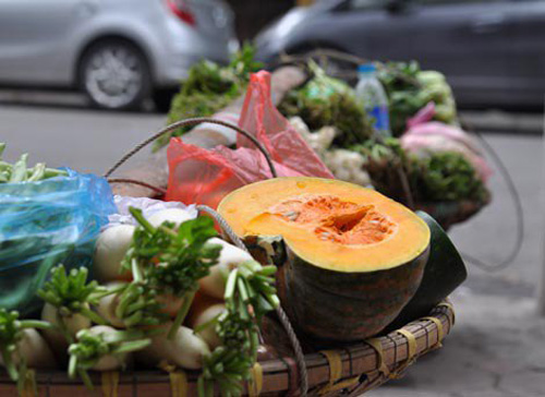 Vegetable supplies in markets hurt by cold
