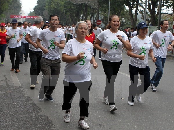 Vietnamese people to run for health
