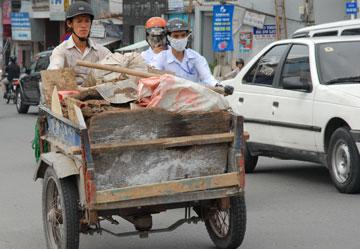 Private garbage collectors face difficulties following cart ban