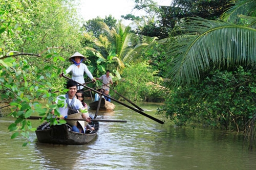 Visitors flock to spiritual destinations in Mekong Delta this year