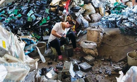 Rapid changes in technology, changes in software, falling prices, and planned obsolescence, have resulted in a fast-growing buildup of electronic waste in Viet Nam.