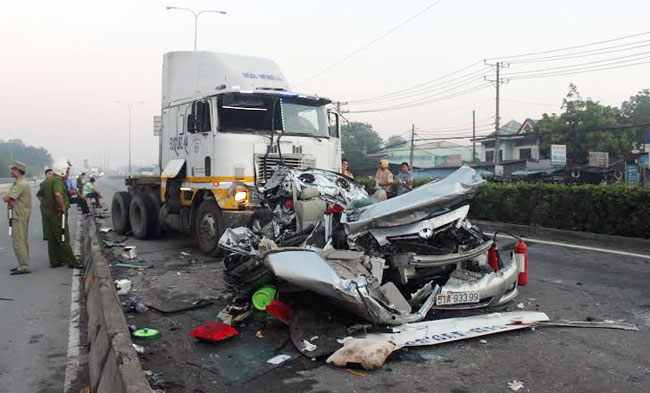 HCM City attempts to cut traffic accidents