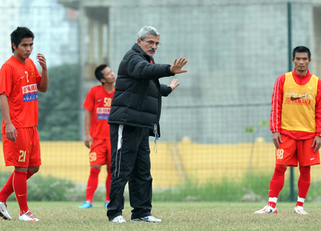 VN football coach: who will take hot seat?