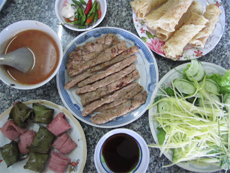 Dinner for two: A set of nem dishes.
