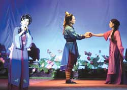 VN theatre aims for foreign audiences