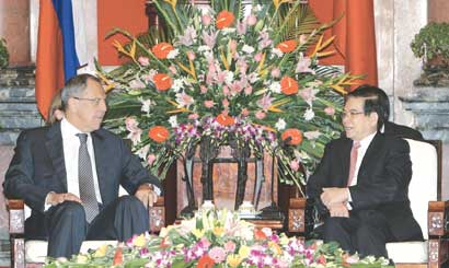 President meets Russian Turkish foreign ministers