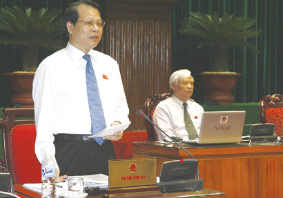 Assembly handles 1600 petitions