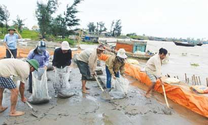 Nock-Ten flood threat fails to recede