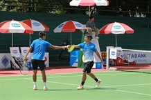 Nam Thiên come back to reach Mens Futures doubles semis